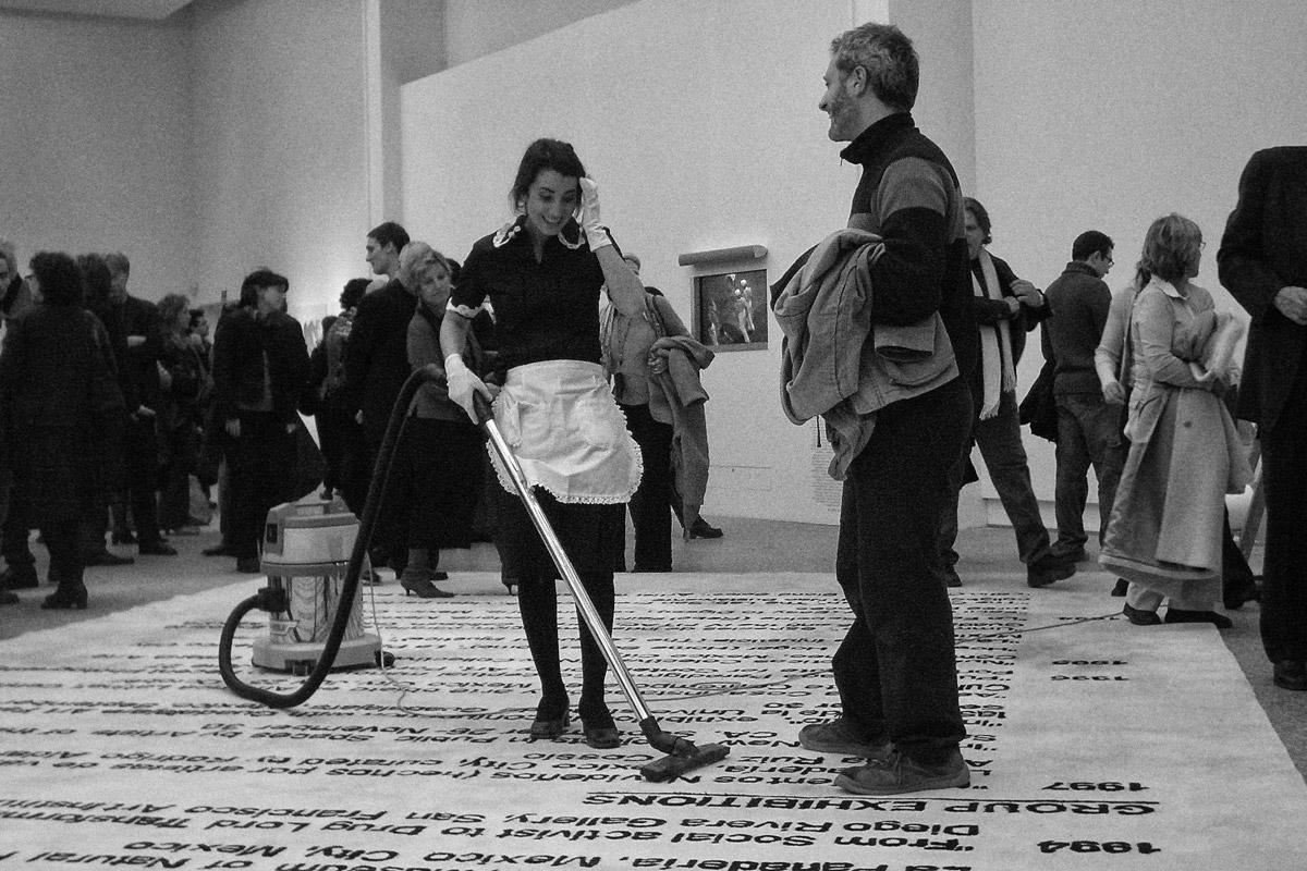 vor einer vernissage (ARCO, madrid, 2004)
