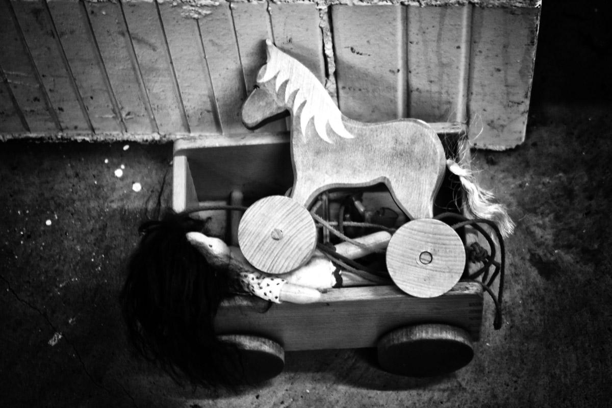 kinderspielzeug, pferd auf rädern