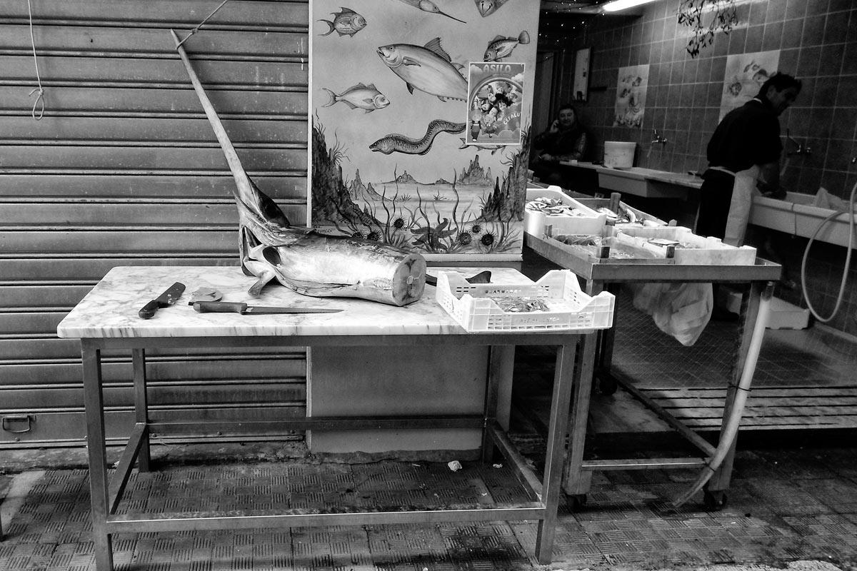 fischhändler in palermo, sizilien