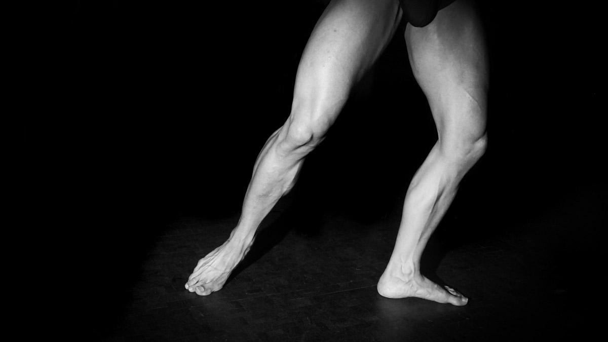 die beine eines tänzers