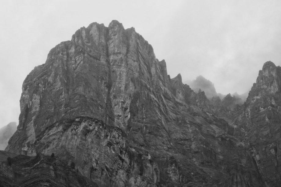 plattentektonik; berge oberhalb von leukerbad, wallis,