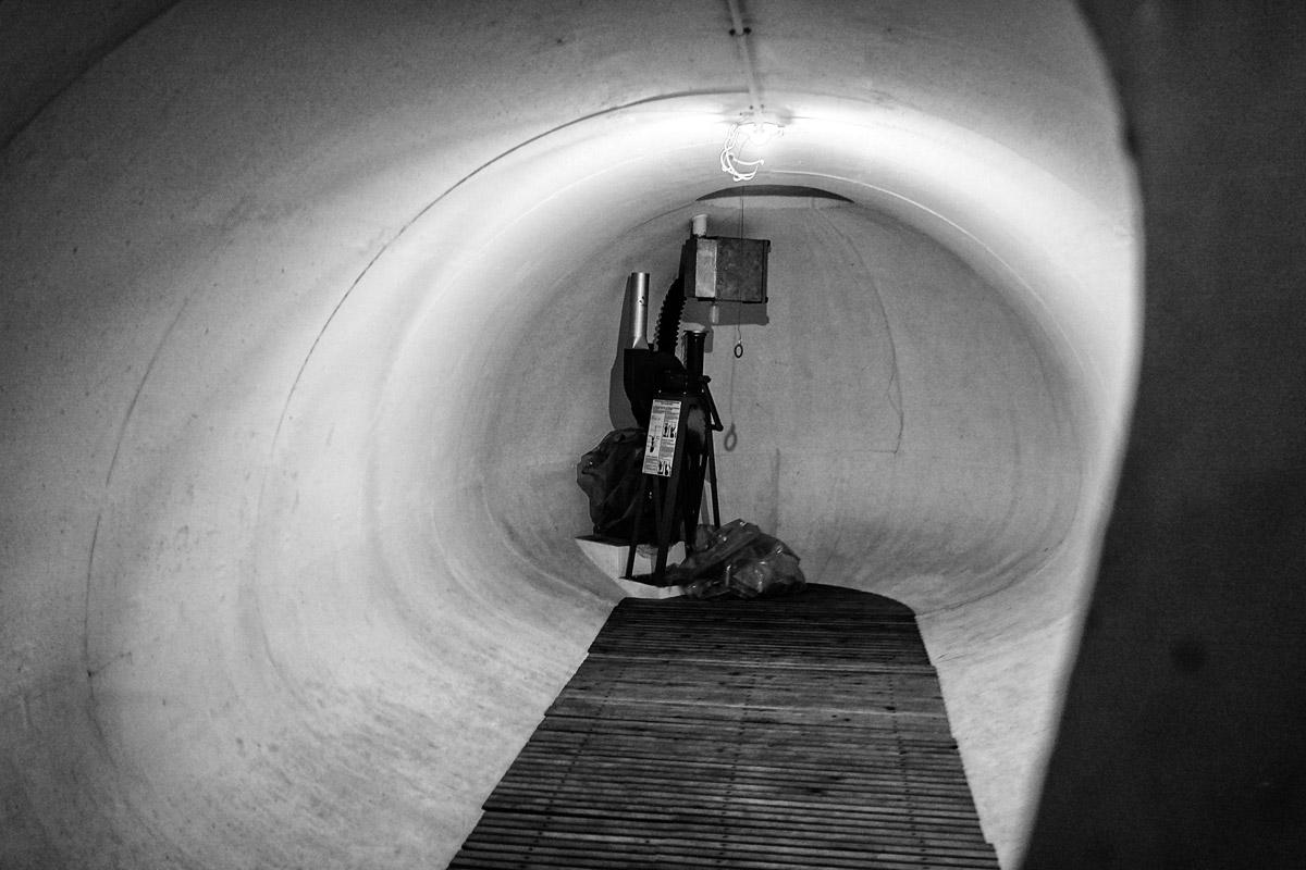 schweizer zivilschutzbunker, 15 meter unter der erde