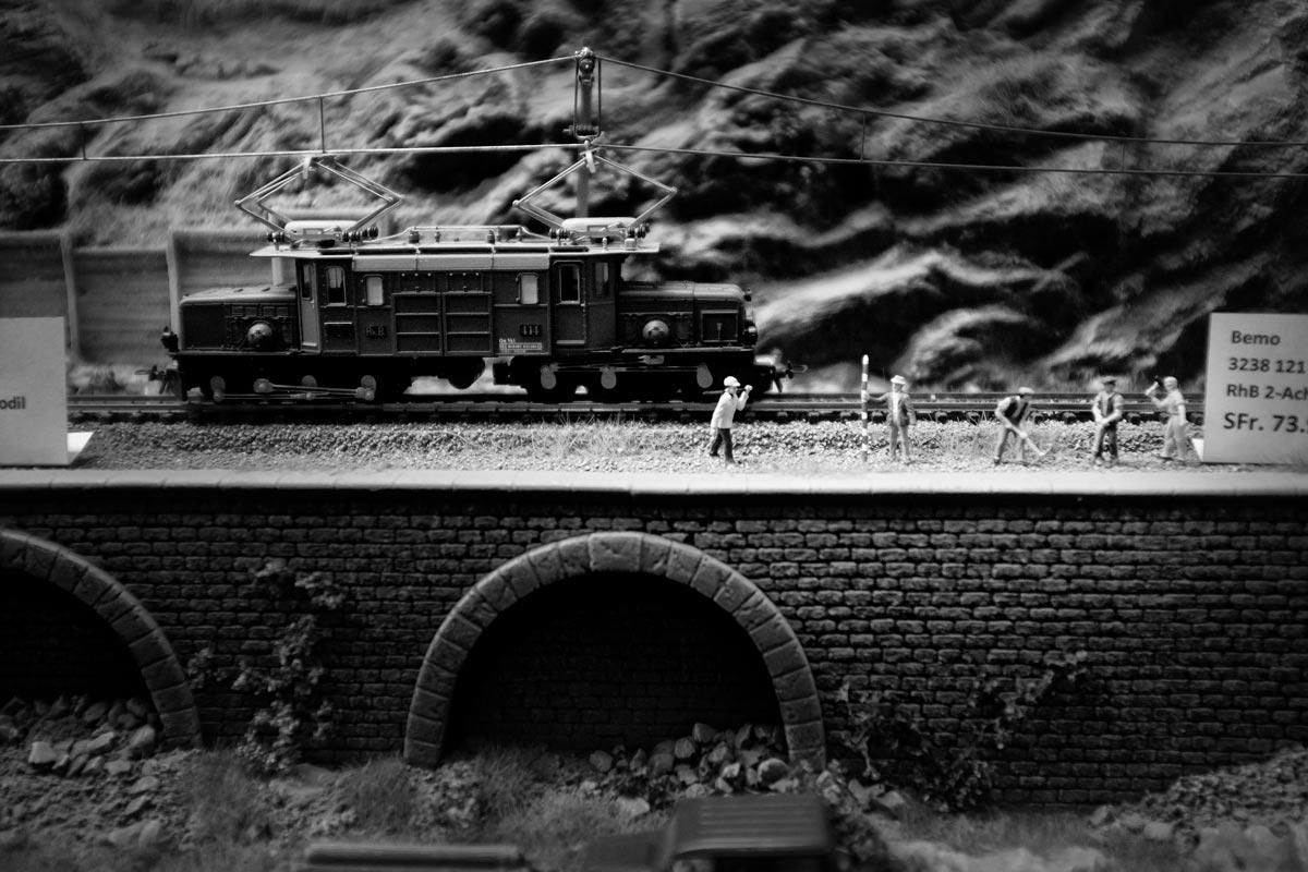 eisenbahn mit bahnarbeitern, modell