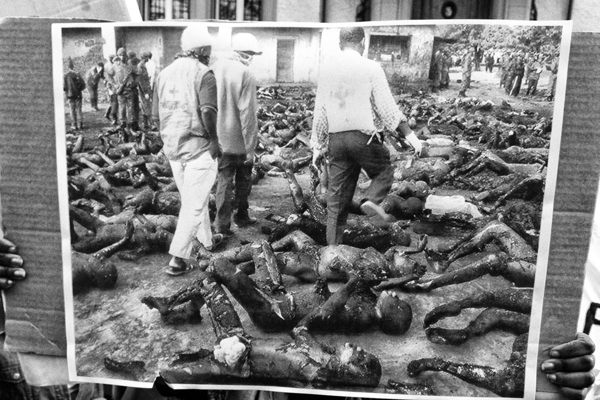 massaker in abidjan, demonstration vor dem konsulat von der république française in zürich